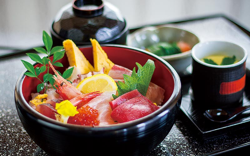 Kaisendon (Seafood-Topped Rice Bowls)