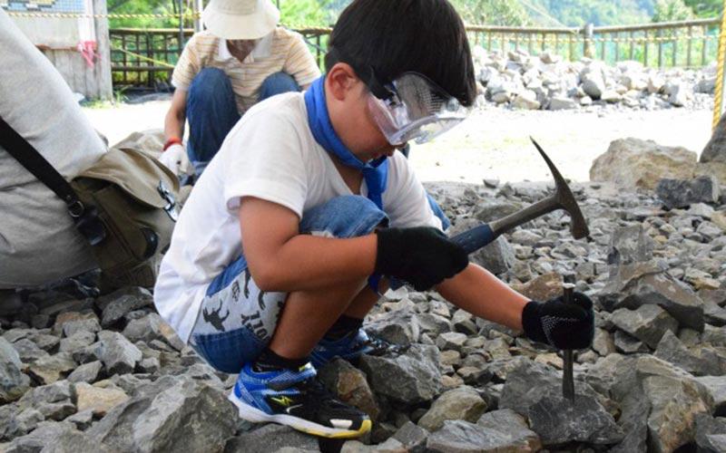 どきどき恐竜発掘ランド